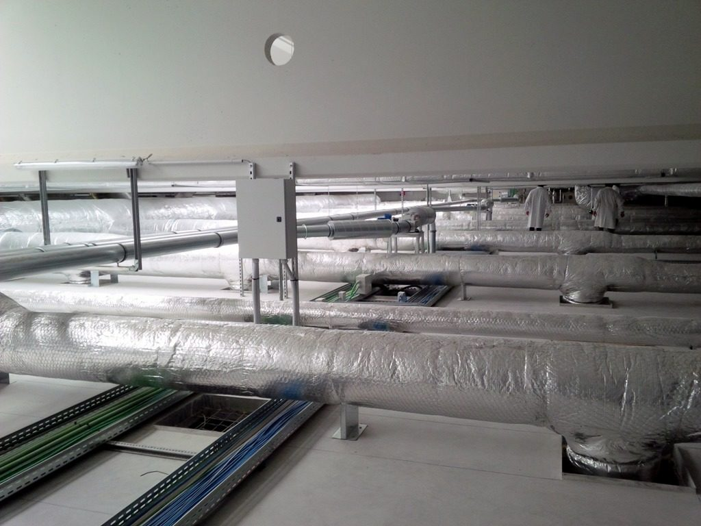 Cutter rifili su linea converting alluminio